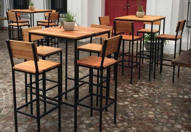 Mesas altas para hosteleria