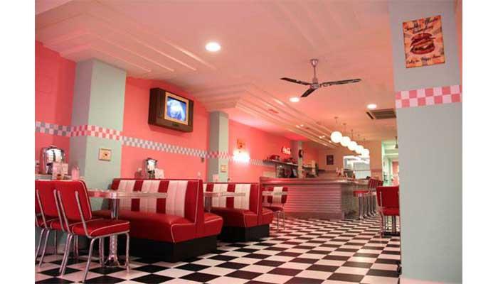 bancos acolchados 1 - Cómo decorar un restaurante: La guía definitiva.