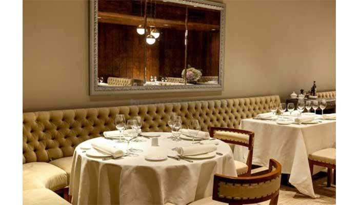 bancos acolchados 2 - Cómo decorar un restaurante: La guía definitiva.