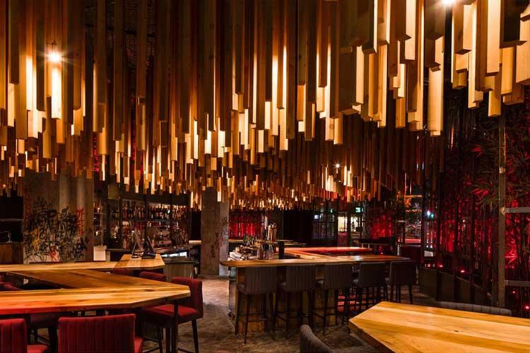 decoracion techos 04 - Cómo decorar un restaurante: La guía definitiva.